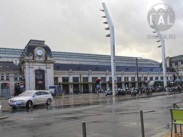 Железнодорожный вокзал Бордо и поезда